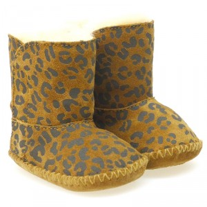 bota-bebe-ugg-cassie-leopardo