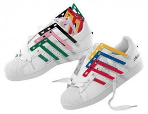 adidas superstar blanca y burdeos