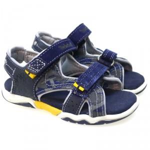 zapatos-de-nino-imprescindibles-en-verano-sandalia-abierta-velcros-timberland-c21-2a-azul