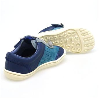 las-suelas-del-calzado-infantil-deben-ser-de-goma-flexibles-ligeras-y-antideslizantes