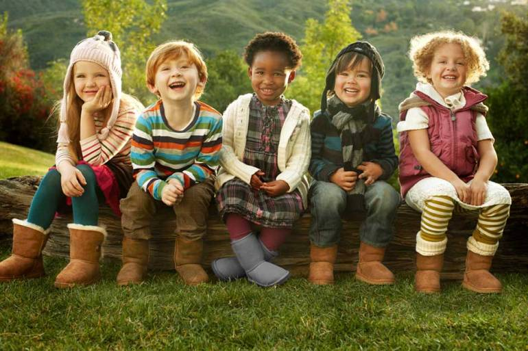 Cuidar los pies de los niños con zapatos de calidad