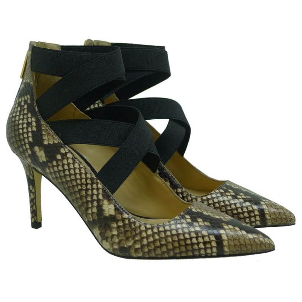 Zapato salón con pulsera Michael Kors Viva Pump Snake