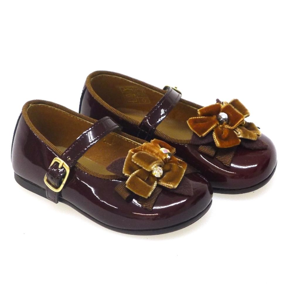 Zapato mercedes charol coca Clarys 0880
