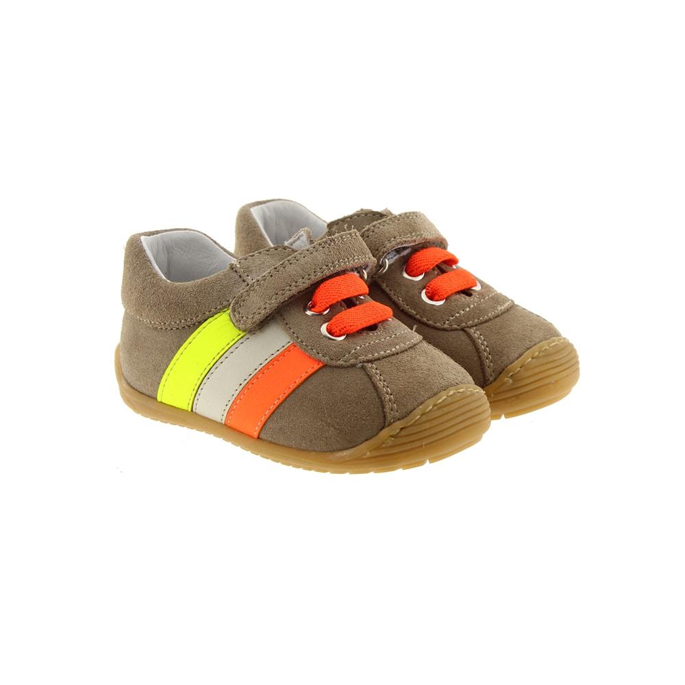 Zapato sport pelotas velcro Carrile 10527